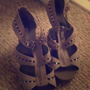 Michael Kors beige heels